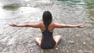 posture de yoga sur le chakra sacré